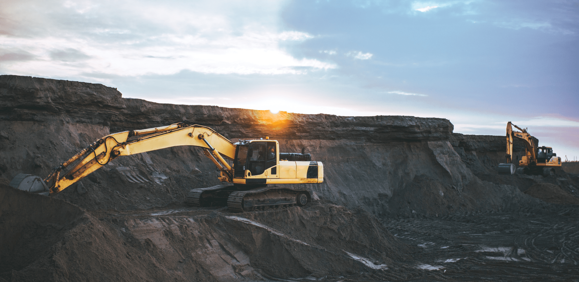 Navigating Heavy Equipment OEM Challenges with IIoT